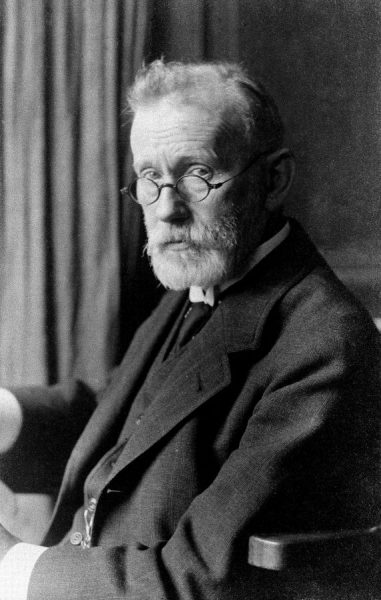 Paul Ehrlich (1854-1915) Credit: Wellcome Library, London. Wellcome Images images@wellcome.ac.uk http://wellcomeimages.org Paul Ehrlich (1854-1915) Photograph By: Eduard BlumPublished: - Copyrighted work available under Creative Commons Attribution only licence CC BY 4.0 http://creativecommons.org/licenses/by/4.0/