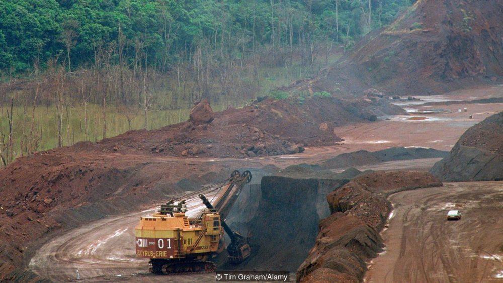 Шумно: окритият рудник Carajás в Бразилия. Credit: Tim Graham/Alamy