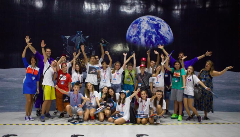 Атанас Симов заедно с останалите български участници в Space Camp Turkey през август 2016 г.