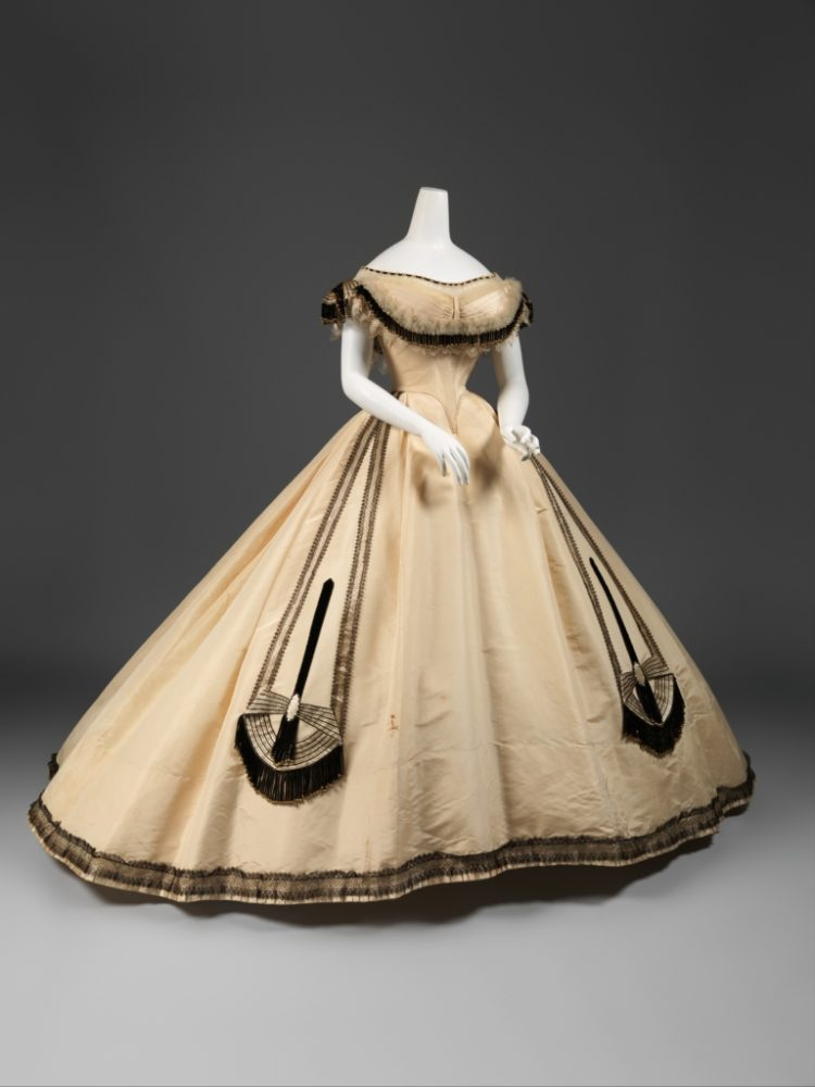 Емил Пинга, бална рокля (1864)
