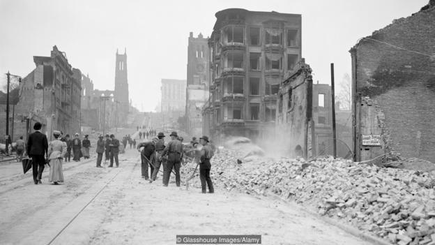 Последиците от земетресението в Сан Франциско през 1906 г.  Credit: Glasshouse Images/Alamy