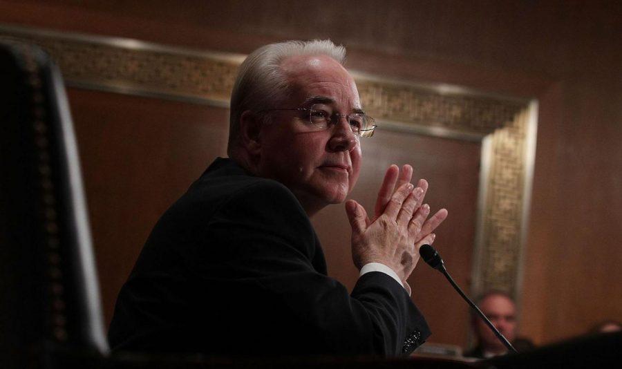 Американският кандидат за Министър на здравеопазването Том Прайс (R-GA) свидетелства по време на изслушването на  17 януари 2017 г. в Capitol Hill във Вашингтон, окръг Колумбия. Прайс, водещ критик на Закона за достъпни грижи, се очаква да се изправи пред въпроси за неговите покупки на акции преди въвеждането на законодателство, което ще бъде от полза на здравните фирми. Alex Wong / Getty
