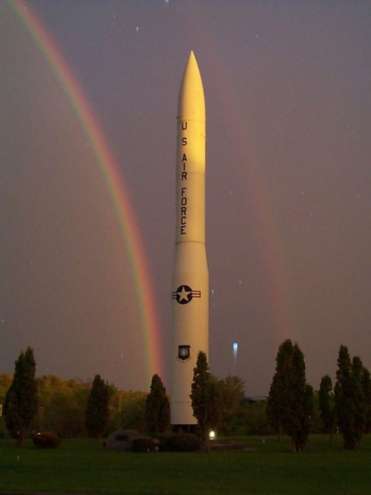 Minuteman III, статична демонстрация на USAF база в Северна Дакота, е работната машина на американските наземни ядрени оръжия. Credit: USAF