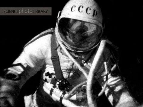 Снимка: Първата космическа разходка