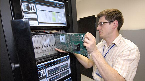 Учените от руската академия на науките ще се сдобият с нов суперкомпютър с мощност 10 петафлопа