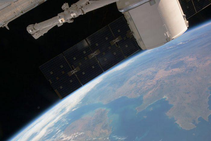 Космическият кораб Драгън ще се върне на Земята днес!