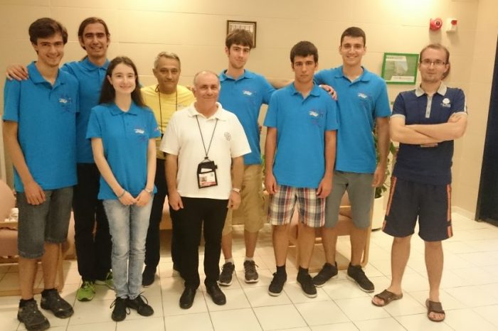 Шестима олимпийци с шест медала от Международната олимпиада по математика в Хонг Конг