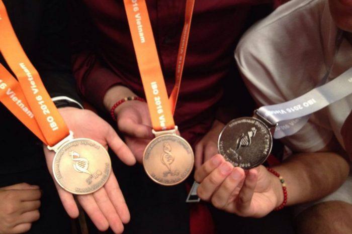 Международната олимпиада по биология във Виетнам приключи със сребро и два бронзови медала за българските олимпийци
