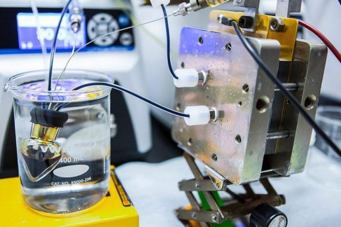 Химици са създали батерия, захранвана от витамини