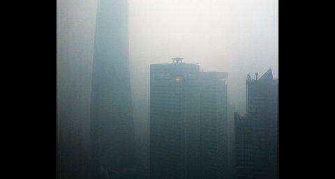Куполен ефект оставя Китайските мегаградове под дебел слой мъгла