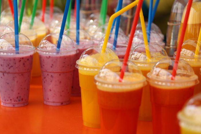 Плодовите сокове и смутита – с неприемливо много захар