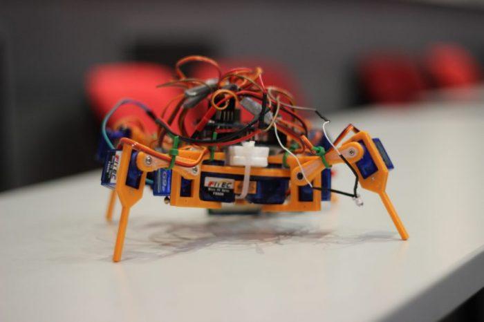 Броени дни остават до началото на Робо Лига 2016 - четвъртото Национално състезание по роботика в България