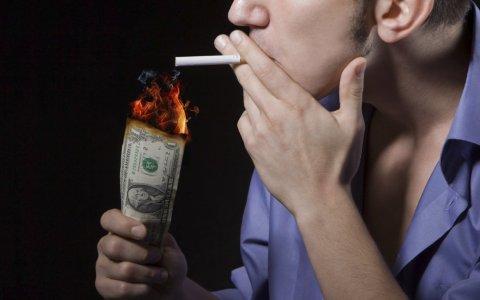Електронните цигари струват по-скъпо на пушача от обикновените