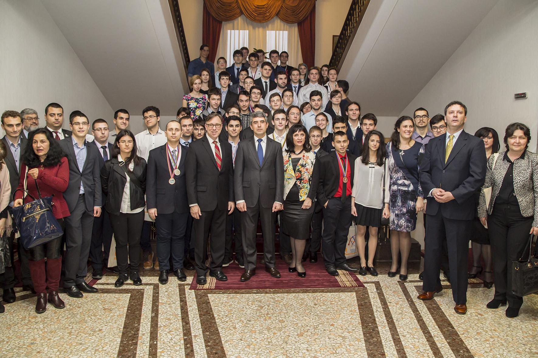 Българските олипийски отбори по природни науки с общо 68 медала за 2015