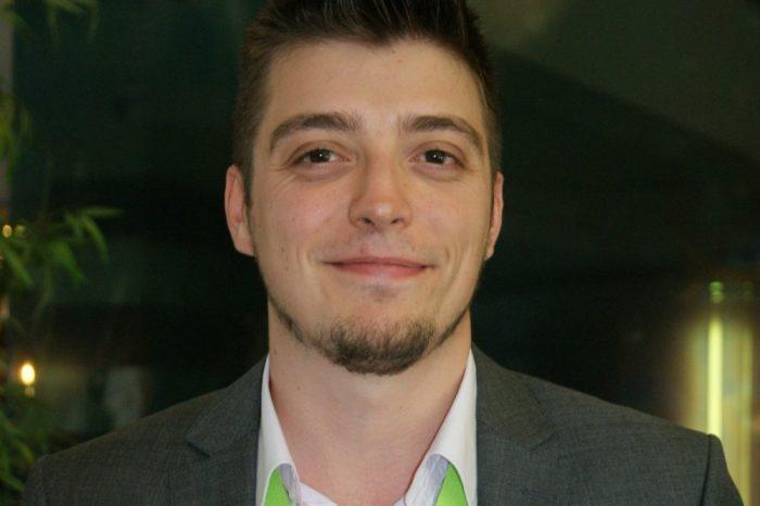 """Призванието да правиш """"безсмислена наука"""" в България: Интервю с Огнян Димитров"""