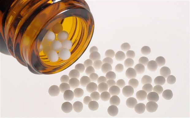 Родители твърдят, че хомеопатични лекарства увреждат стотици бебета, а FDA разследват в продължение на години
