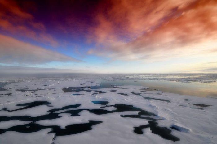 Топли Атлантически води довеждат до ново застрашаване на Арктичния лед отдолу