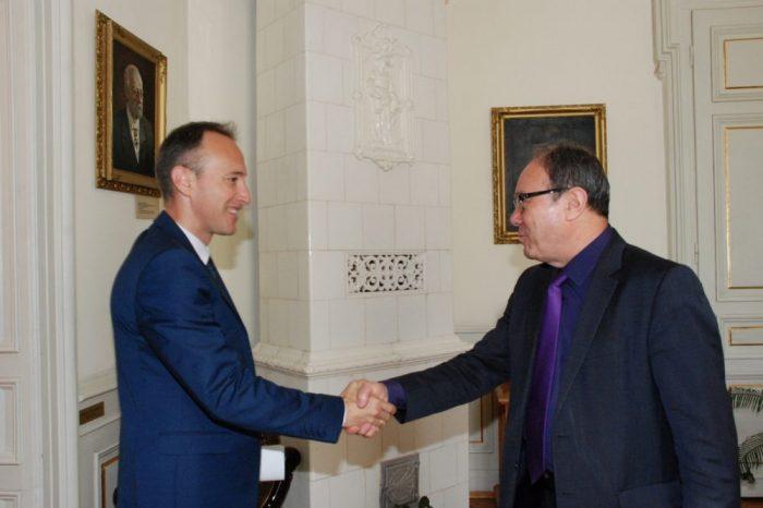Министърът на образованието и науката Красимир Вълчев на посещение в БАН
