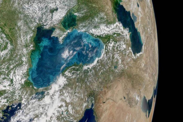 Тюркоазените завъртулки на Черно море