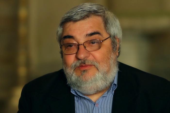 Интервю с доц. Иван Лазаров: Историческата памет е лепилото, което превръща фрагментарните общности в народ и нация