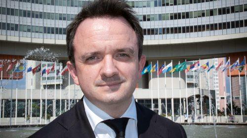 Снимка: Нил Уолш оглавява Глобалната програма УНП ООН за киберпрестъпления от януари 2016 г. Дотогава повече от 15 години е работил в правителството на Великобритания в областта на борбата с международната организирана престъпност и тероризма, и е пътувал много в командировки по целия свят във връзка с този проблем.