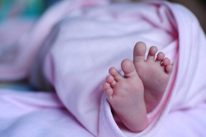 Майки, прекарали херпесна инфекция, могат да предадат защитата на бебетата си