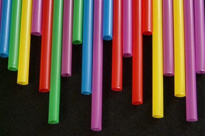Учени създават алтернативни пластмаси, използвайки само захари и CO2