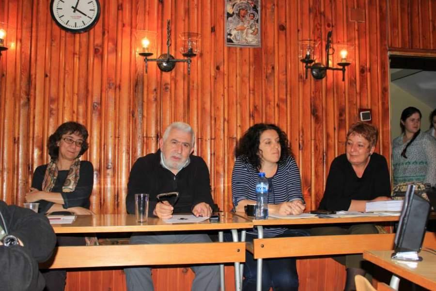 """Заключителни думи на преподавателите по време на студентската конференция """"Постмодерните предизвикателства"""", юни 2014, Гюлечица."""