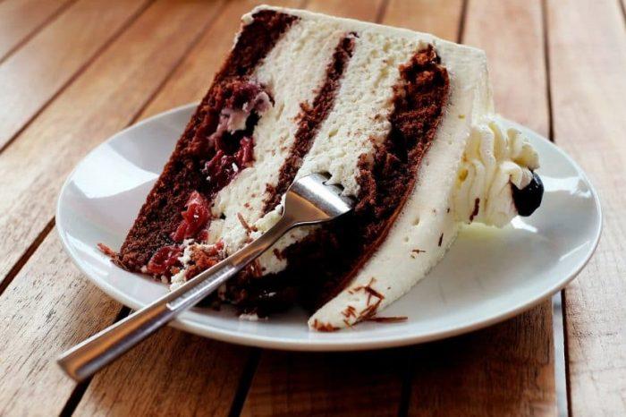 Едно парче торта не би ми навредило