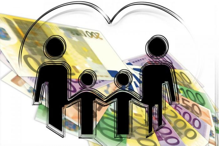 Макроикономическа политика при социалната защита на потребителите. Социална самозащита на потребителите