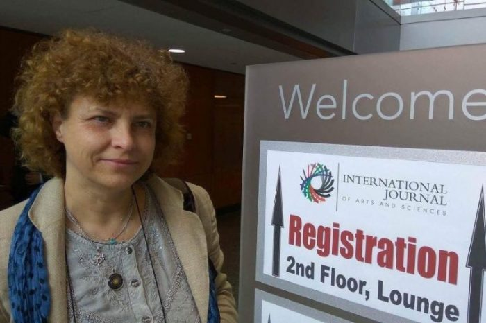 Интервю с проф. Грета Дерменджиева и работата ѝ по анализа на фалшивите новини