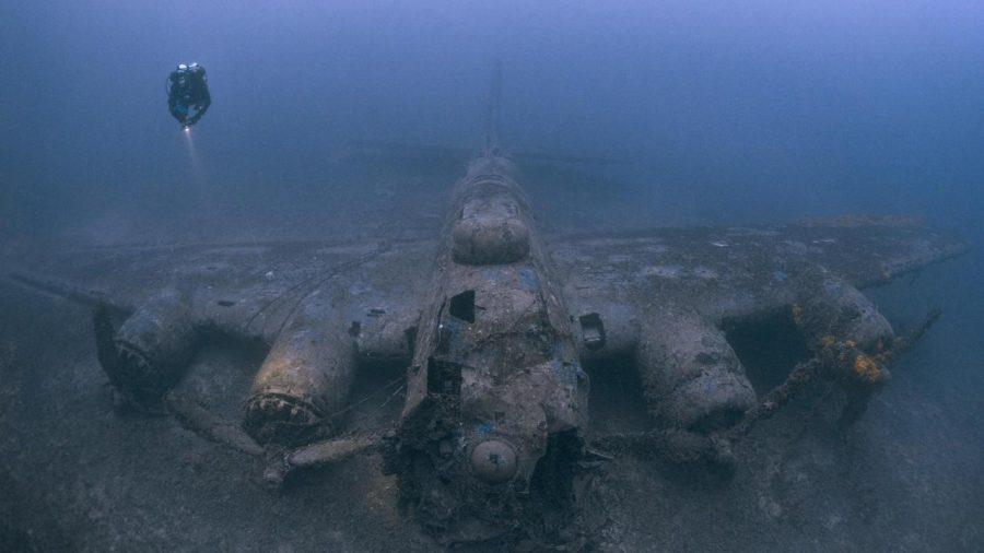 Останките от боинг B-17G Flying Fortress, който бил ударен от бомбардировки по време на Втората световна война над остров Вис, Хърватска. Credit: Steve Джоунс/www.millionfish.com