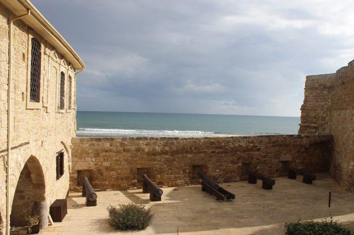 Замъкът Ларнака в Кипър