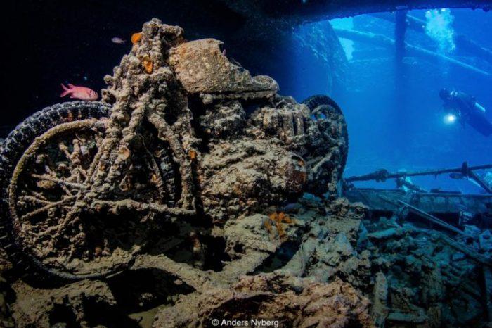 Мистериозни подводни сцени на изгубени кораби и изгубени самолети