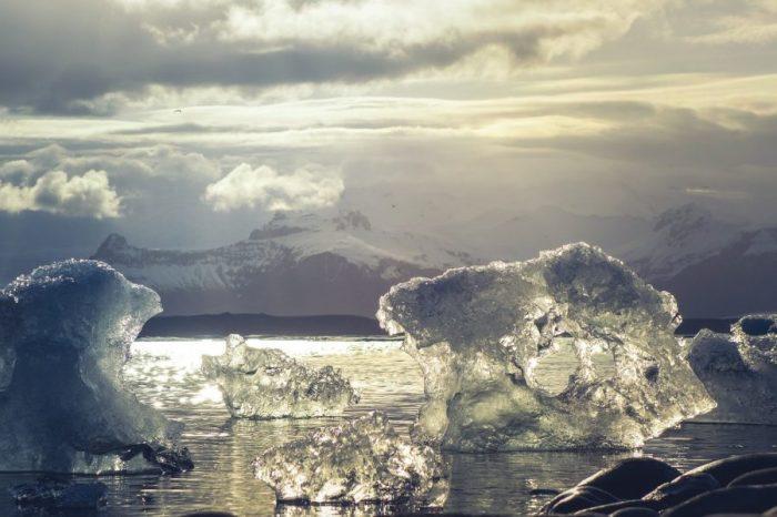 Антарктида е изгубила около три трилиона тона лед за последните 25 години