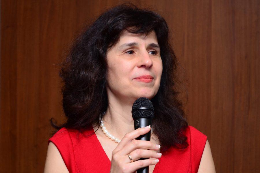 Проф. Ирина Рибарова
