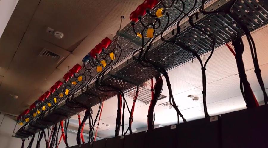 Детайл от суперкомпютъра Авитохол