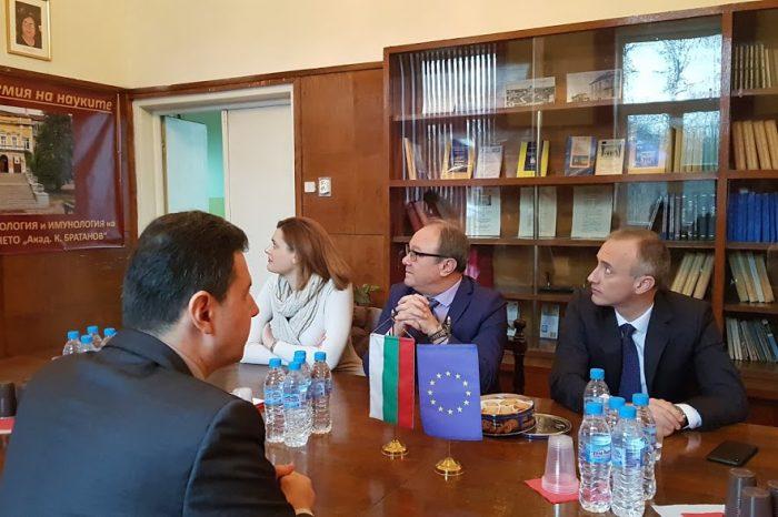 [АУДИО] Институтът по биология и имунология на размножаването към БАН бе посетен от министър Красимир Вълчев и зам.-министър Карина Ангелиева