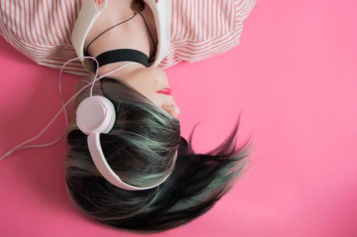 Как слушането на музика понижава креативността