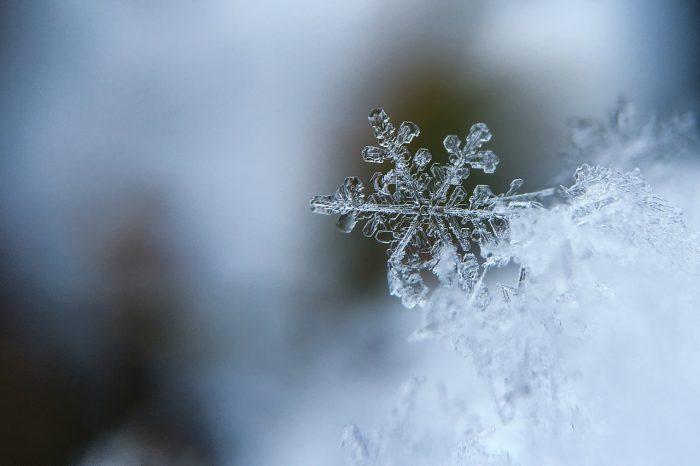 Микрочастици от пластмаса падат заедно със снега