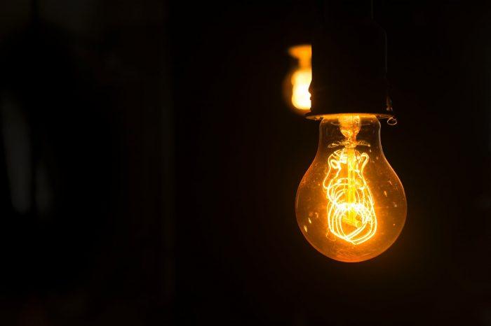 Кратка история на електрическата крушка