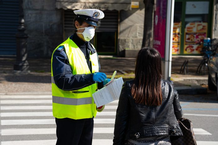 Опасностите от дезинформация и пренебрегване на малцинствата по време на пандемия