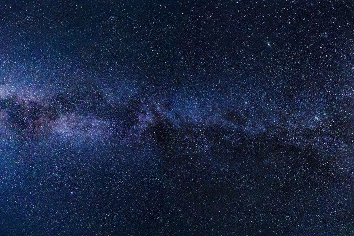 Астрономите откриват редовен ритъм на радиовълни с неизвестен произход.