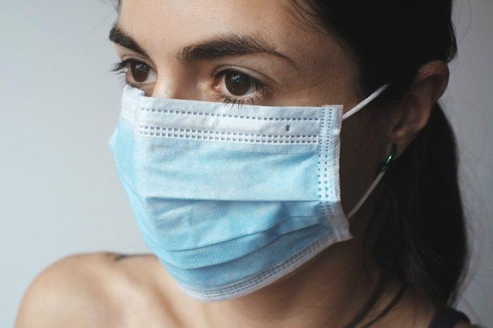 Защо учените казват, че носенето на маски не трябва да е противоречиво