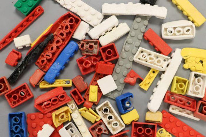 Може да отнеме стотици години, за да бъде разградено едно блокче Lego