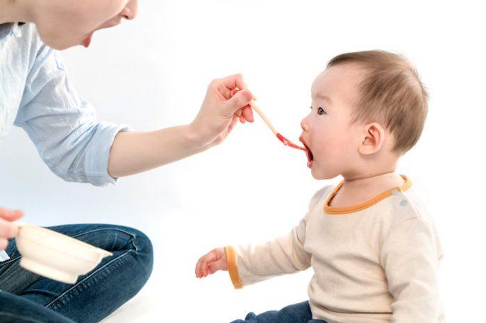Бебетата знаят кога ги имитирате и това им харесва