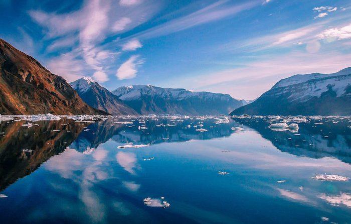 Затоплящият се леден щит на Гренландия преминава през точка, от която няма връщане