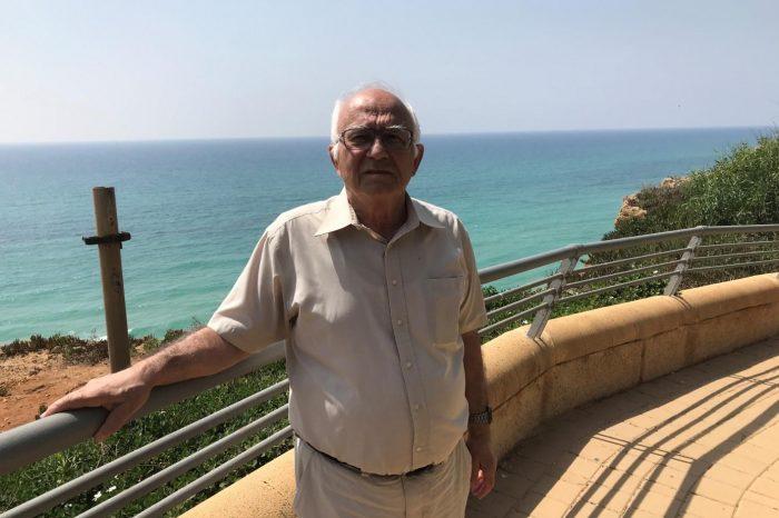 Чл. кор. Чавдар Стоянов - За разкриването на микросвета