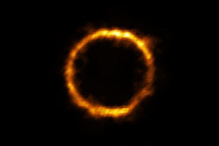 Една изключително млада галактика, приличаща на Млечния път