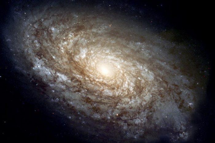 Открит е галактически диск, за който се предполага, че се е образувал съвсем скоро след Големия взрив